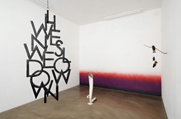 gloeckchen whiplash installation view